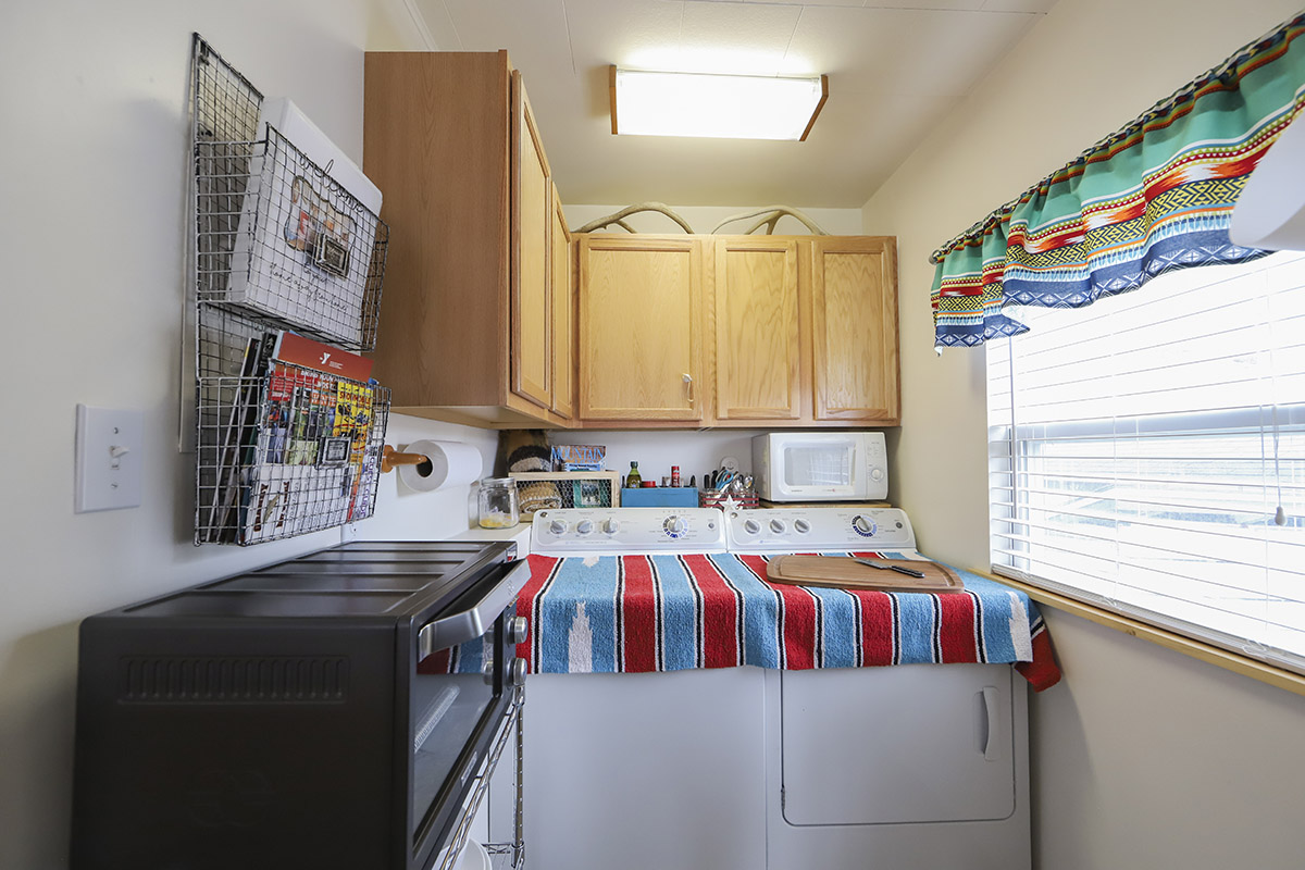 Small, Cozy and Bright Cottage Style Apartment in Hot ...